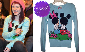 Hayley Williams: Mickey Mouse Sweater