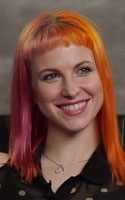 Hayley Williams half pink half orange hair