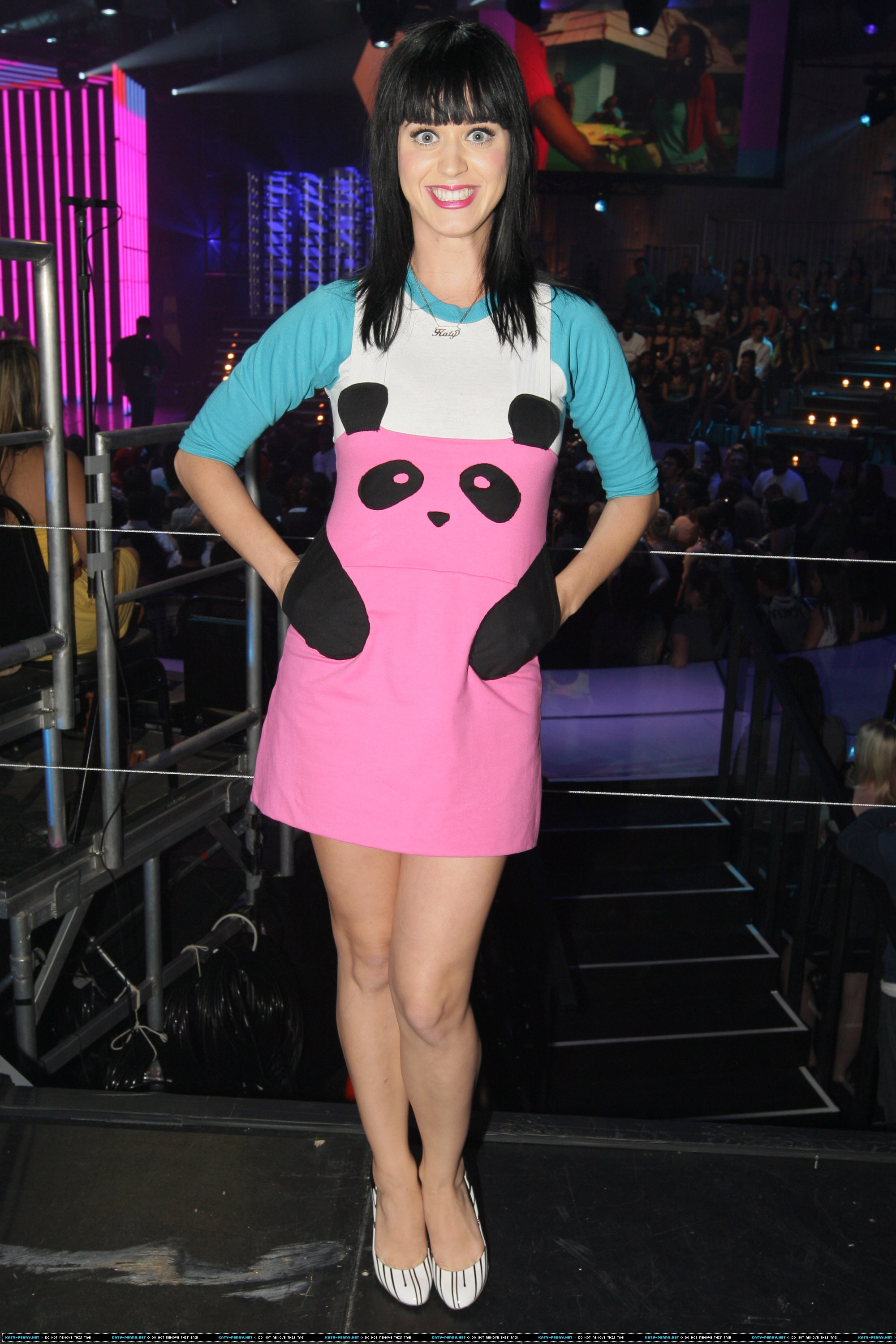 Katy Perry S Fashion Clothes Amp Outfits Steal Her