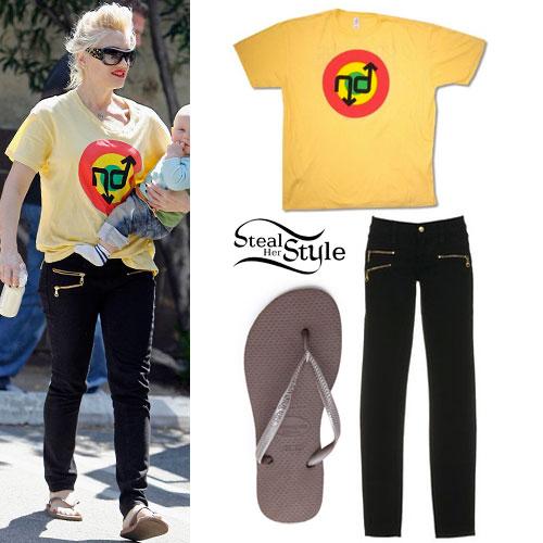 Gwen Stefani: Moto Zip Jeans & No Doubt Tee
