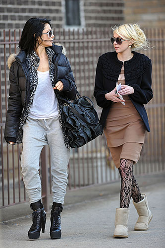 99131718029 Taylor Momsen: Classic Short Uggs | Steal Her Style