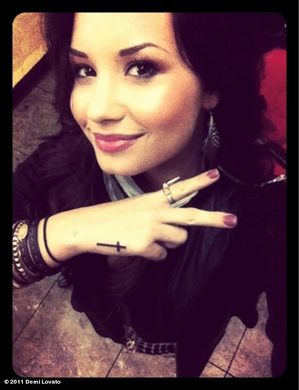 demi lovato tattoo stay strong. Demi Lovato#39;s cross tattoo on