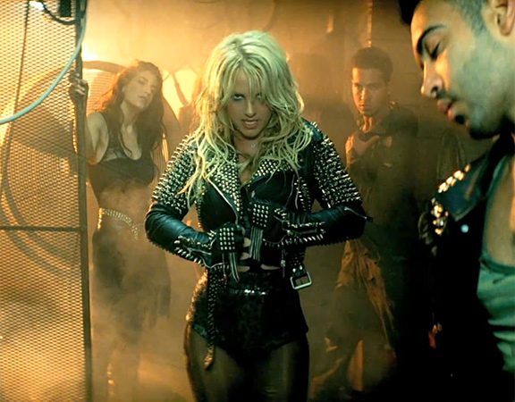 http://stealherstyle.net/wp-content/uploads/2011/04/britney-burberry.jpg