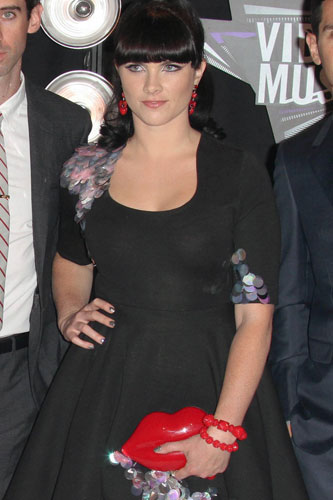 Cobra Starship's Vicky-T on the red carpet at the MTV Video Music Awards on August 28, 2011