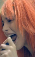 Hayley Williams crimped hair