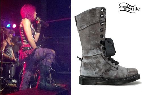 Ariel Bloomer: Dr Martens Boots