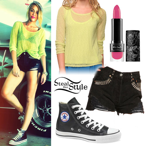 Miley Cyrus: Lime Green Sweater