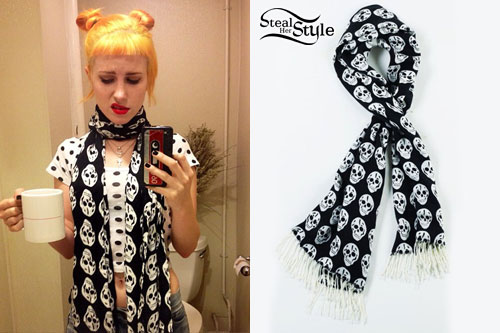 Hayley Williams: Skull Print Scarf
