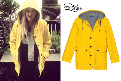 Ellie Goulding: Yellow Raincoat | Steal Her Style