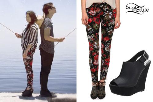 Sierra Kusterbeck: Floral Skinny Jeans