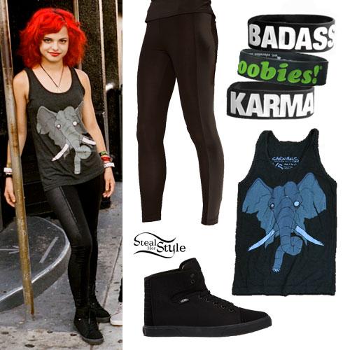 Nia Lovelis: Elephant Tank Top Outfit