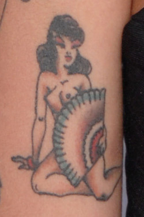 Amy winehouses 11 tattoos meanings steal her style urmus Image collections
