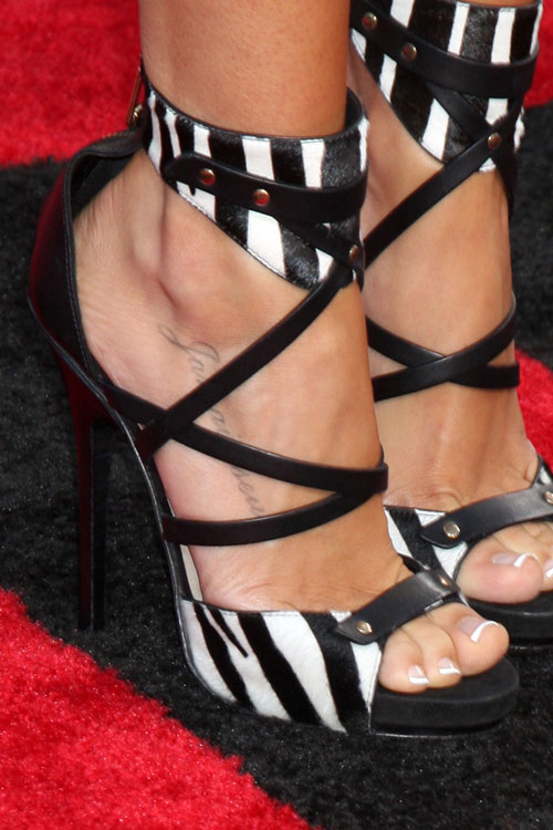 ashley-tisdale-foot-tattoo