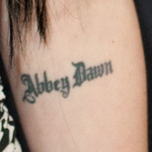 avril-lavigne-abbey-dawn-elbow-tattoo