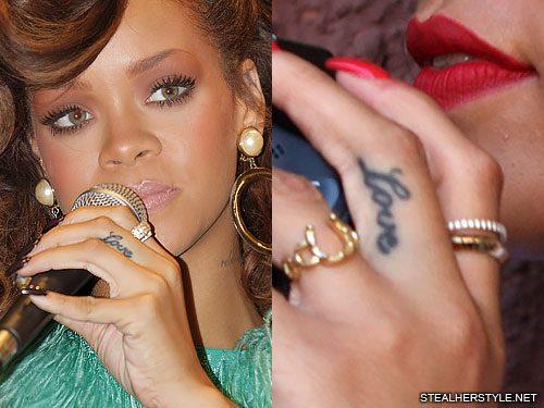 rihanna-love-finger-tattoo