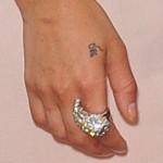 zoe-kravitz-hand-tattoo