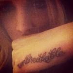alana-potocnik-unbreakable-hand-tattoo