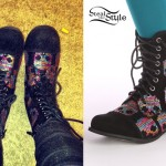 Anissa Rodriguez: Skull Print Boots