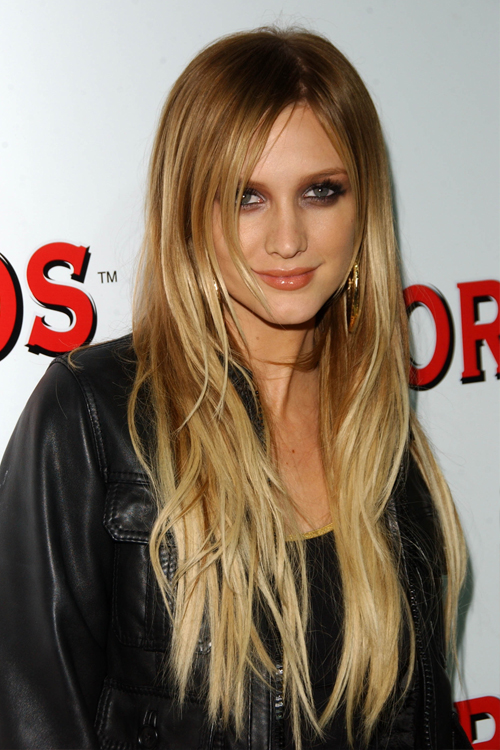 Ashlee Simpson Wavy Golden Blonde Ombré Hairstyle | Steal ...