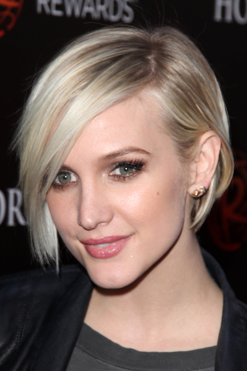 Ashlee Simpson S Hairstyles Hair Colors Steal Her Style