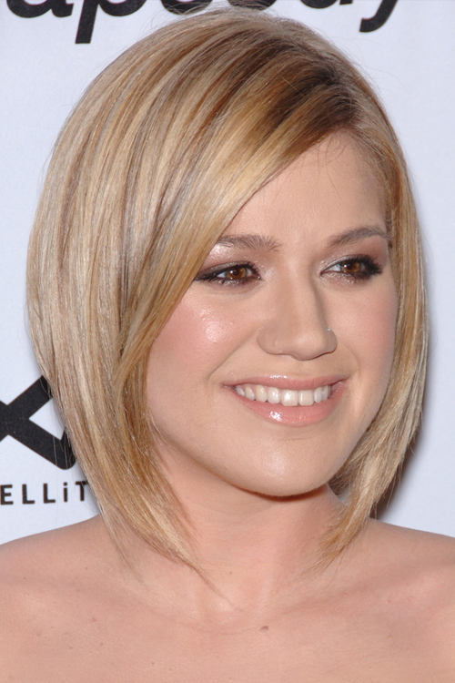 Kelly clarkson blonde brown and red hair