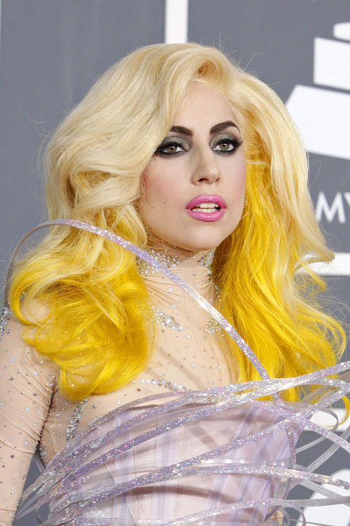 lady gaga in yellow - photo #10