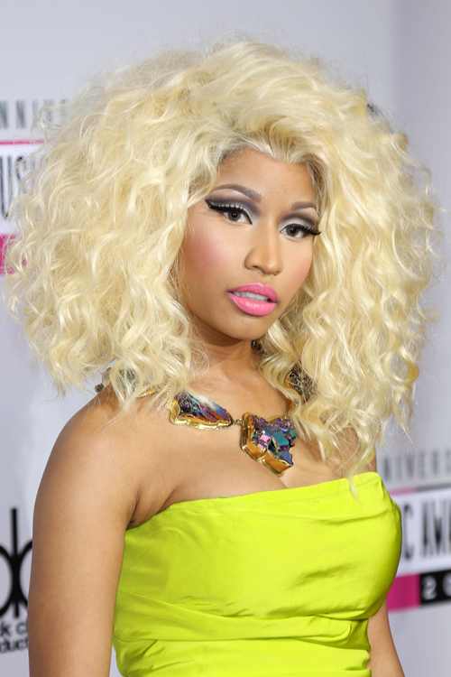 Nicki Minaj Curly Golden Blonde Hairstyle Steal Her Style