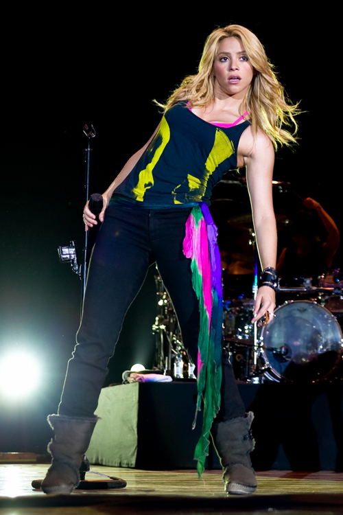 Shakira Clothes Amp Outfits Steal Her Style