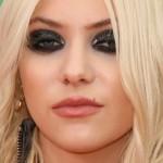taylor-momsen-makeup-4