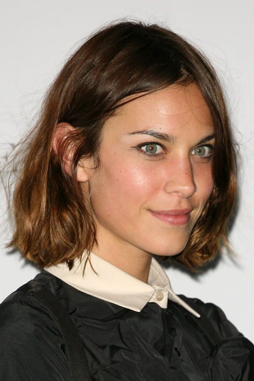 Alexa Chung S Hairstyles Hair Colors Steal Her Style