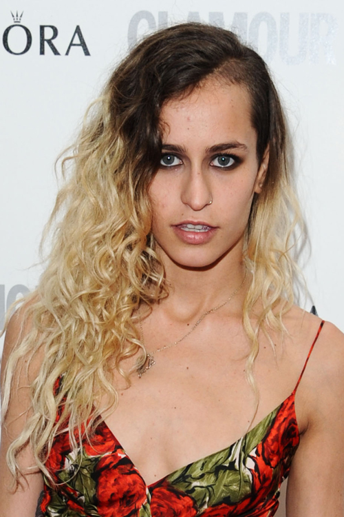 Alice Dellal S Hairstyles Amp Hair Colors Steal Her Style
