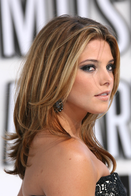 Ashley Greene S Hairstyles Hair Colors Steal Her Style