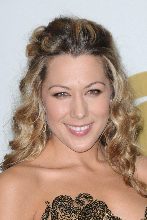 Colbie Caillat S Hairstyles Amp Hair Colors Steal Her Style