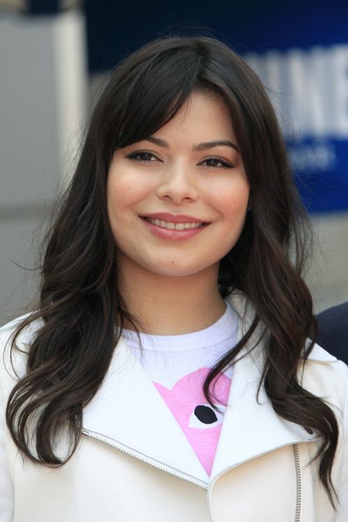 Miranda Cosgrove\u002639;s Hairstyles \u0026 Hair Colors  Steal Her Style