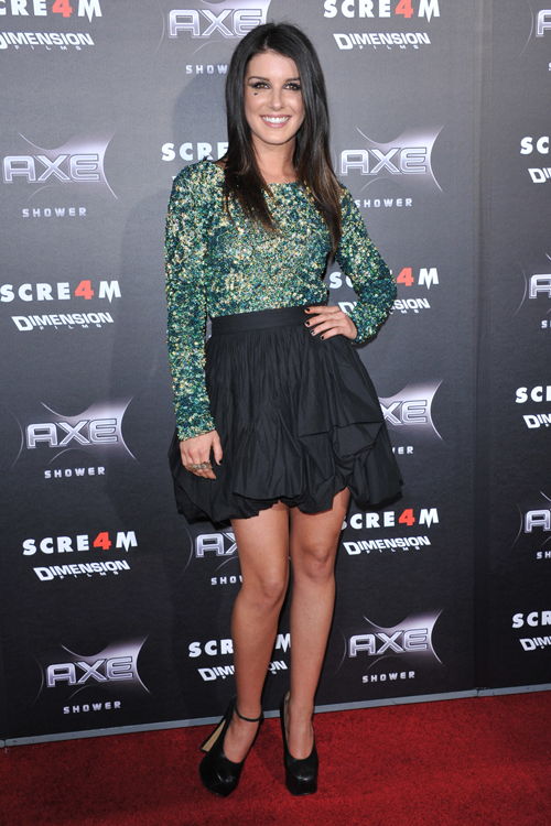 shenae-grimes-outfit-3