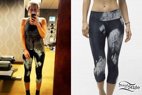 Ellie Goulding: Tie Dye Capri Leggings