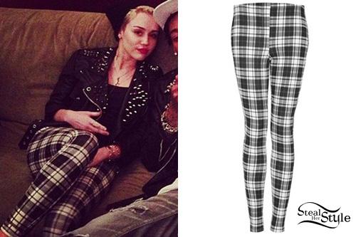 Miley Cyrus Cross Finger
