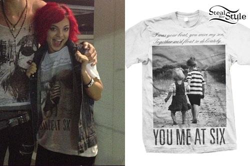 Nia Lovelis: You Me At Six T-Shirt