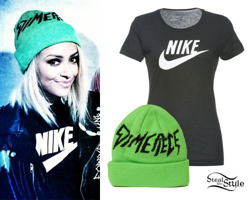 Kat Graham: Green Beanie, Nike T-Shirt