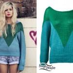 Nina Nesbitt: Stay Out Green & Blue Sweater