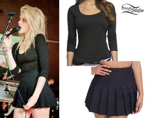 Sky Ferreira: Black Pleated Skirt