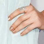 ariana-grande-nails-gold