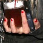 avril-lavigne-nails-red