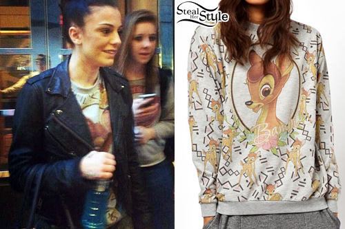 Cher Lloyd meeting fans in New York April 9th, 2013 - photo: twitter
