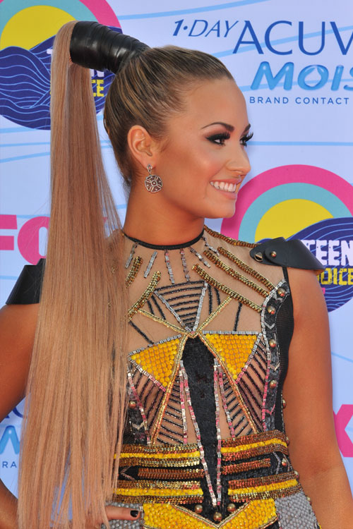 pin demi lovato straight honey blonde flat ironed high