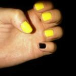 dev-nails-yellow-black