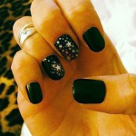 juliet-simms-nails-black-stars