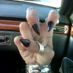 juliet-simms-nails-pointed-black