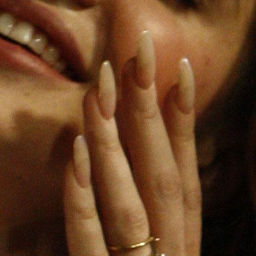 Lana Del Reys Nail Polish Nail Art Steal Her Style Page 2