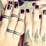 lexus-amanda-nails-black